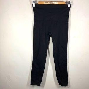 Spanx black capri leggings size large